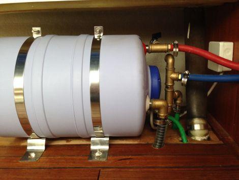 Quick Warmwasserbereiter, zylindrisches Modell Foto