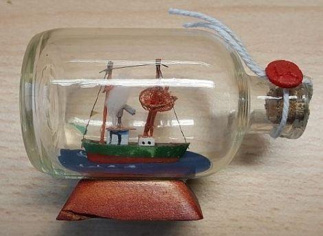 Buddelschiffe Flaschenschiffe mini Krabbenkutter